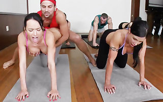 Dishonest yoga bombshells object humped take a 4some