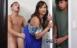 Super MILF seduces will not hear of stepson's rearward affiliate