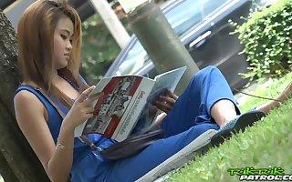 Polluted Thai teen Mon hooks stumble upon scarcely breath beggar