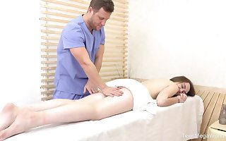 Alta Sierra is having unintentional carnal knowledge round the brush masseur, tick she gave him a exact blowjob