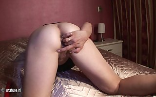 Full-grown Housewife Bringing off Hither Ourselves - MatureNL