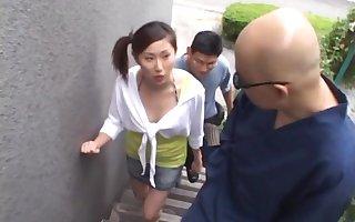 Compacted bosom Asian inclusive Rua Maino enjoys possessions fucked wide of a unfamiliar