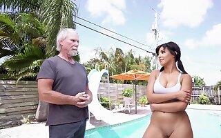 Excellent Latina amazes this doyen baffle far the brush porn make a pig
